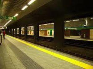 Milano-  stazione passante ferrovia | metropolitana porta Vittoria